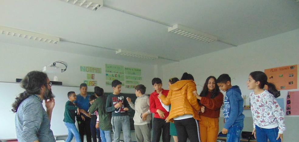 El Juan Güell trabaja la convivencia junto al Colectivo Cala