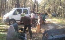 La Sociedad de Cazadores de Talayuela retira 80.000 kilos de basura en una limpieza medioambiental