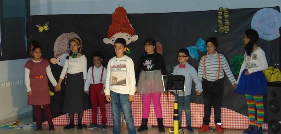 Los alumnos del Juan Güell celebran la semana del libro
