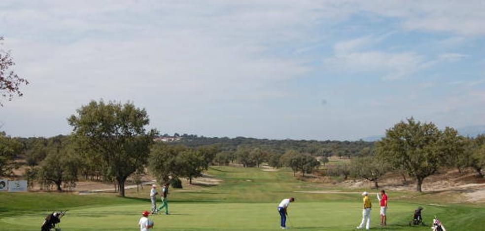 El campo de golf de Talayuela celebra este mes 5 torneos