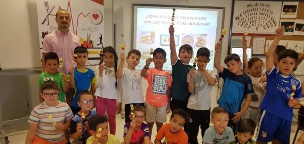 Los alumnos de Educación Primaria del Juan Güell participan en el programa 'Come bien, vive mejor'
