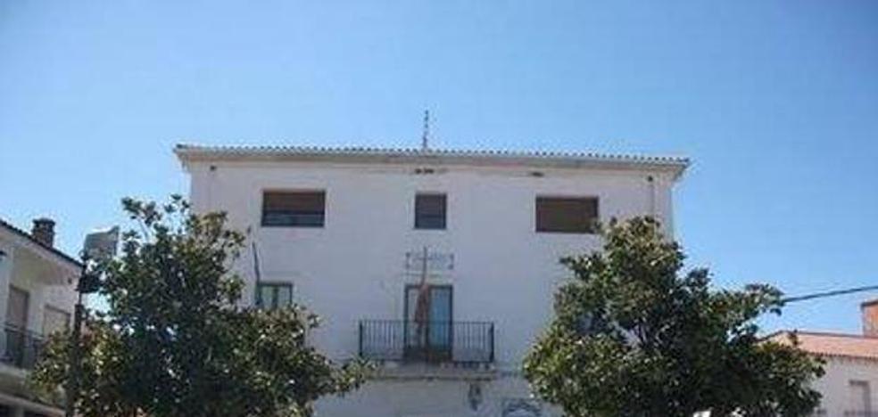 El Ayuntamiento de Talayuela niega que el alcalde vaya a cobrar 3.400 euros al mes