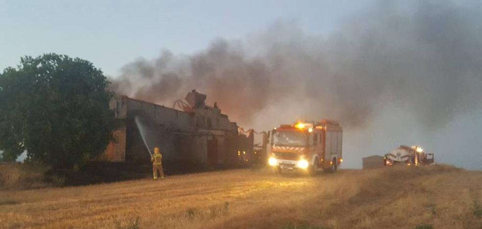 Incendio en una nave de Talayuela