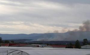 Los incendios de Villanueva y Aldeanueva de la Vera se mantienen activos