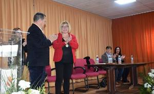 Charo Cordero recoge la Medalla de Herguijuela por su labor por el mundo rural