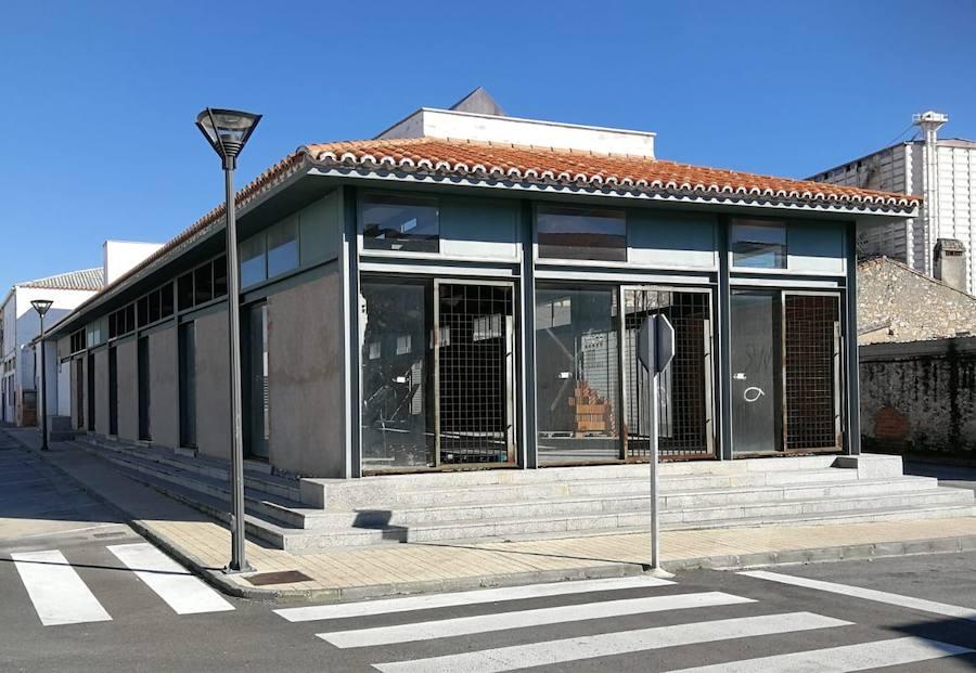El Ayuntamiento negocia con la empresa adjudicataria del iGastrolab para retomar las obras