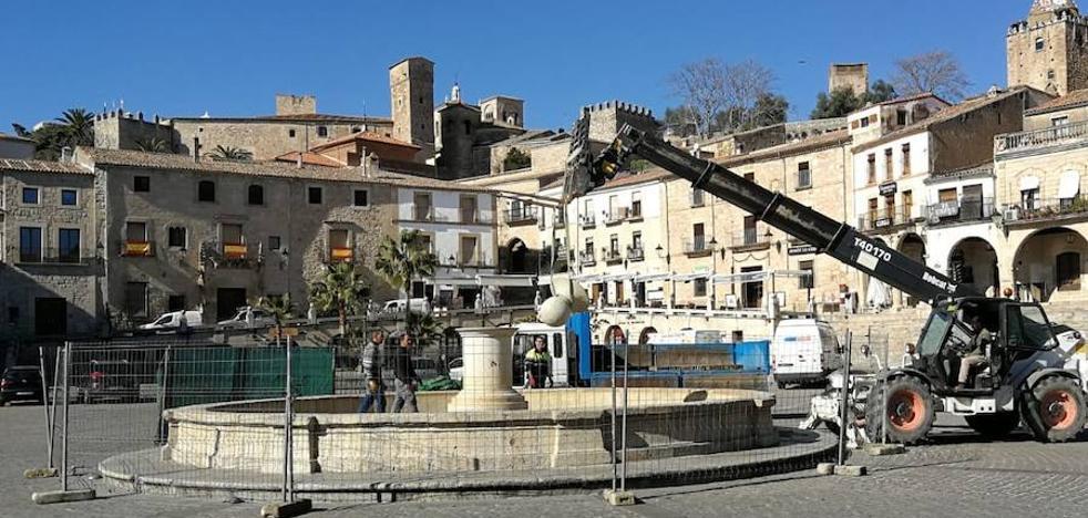 El pilar de la plaza Mayor tendrá una nueva fuente con su alumbrado
