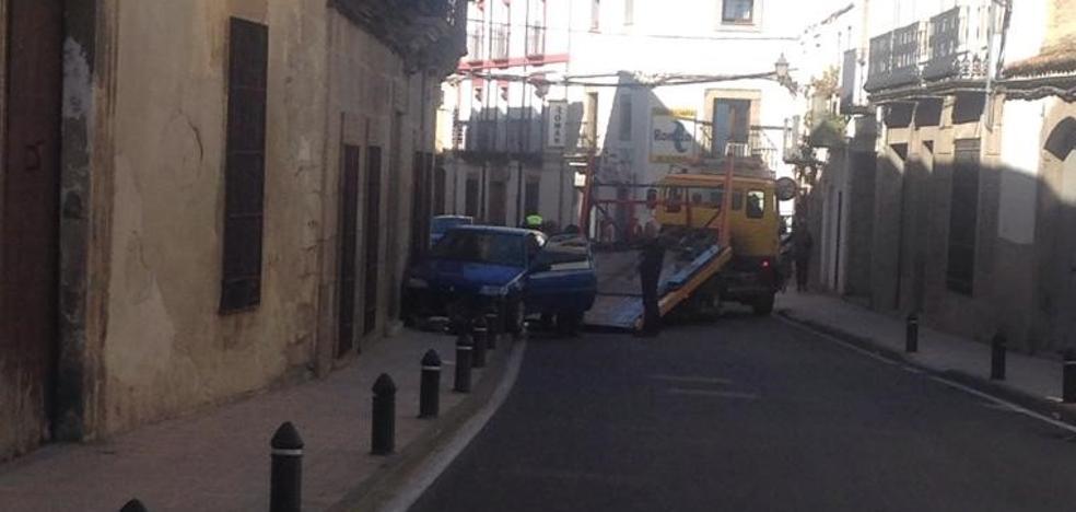 Un incidente con un vehículo en la calle Merced queda en un susto