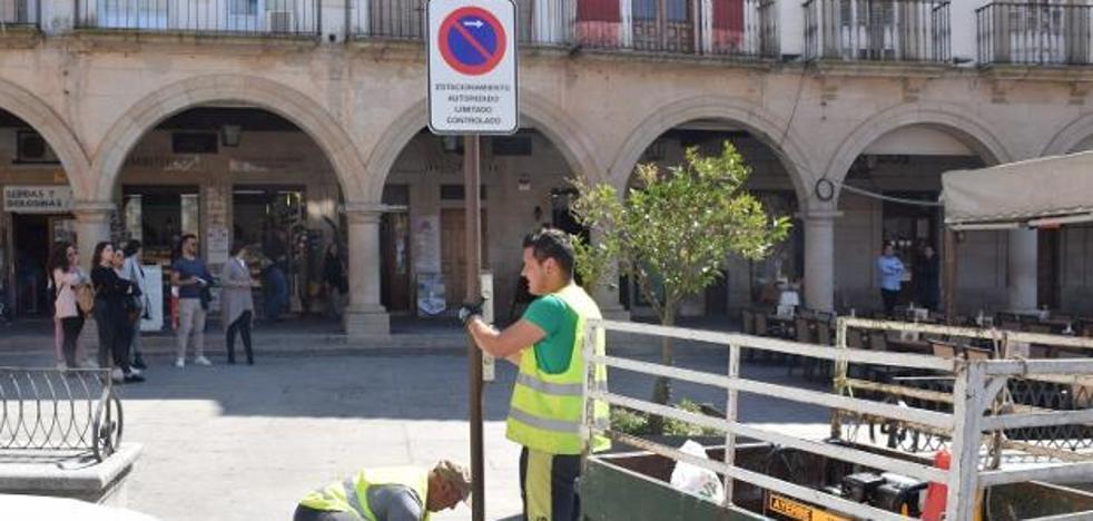 Nuevo intento para poner orden a los estacionamientos en la plaza Mayor