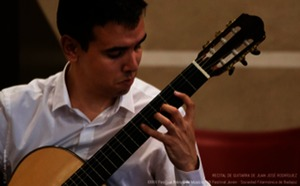 El palacio de los Barrantes Cervantes acoge esta tarde un concierto de guitarra