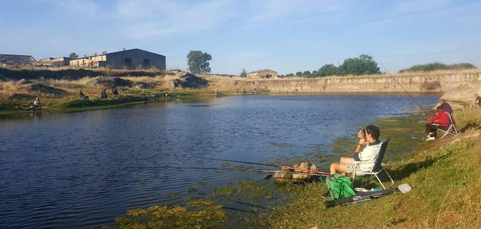La sociedad de pescadores ha diseñado actividades diferentes para este verano