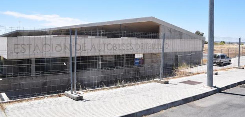 La estación de autobuses de Trujillo tiene problemas con determinados servicios