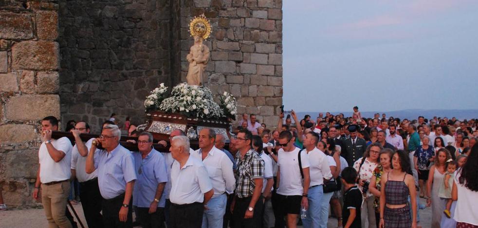 La Hermandad Virgen de la Victoria celebra su 75 aniversario con dos actos