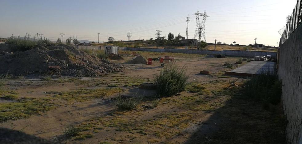 Paradas las obras del proyecto deportivo junto al campo de fútbol