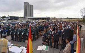 La Guardia Civil celebra el día de su Patrona, arropada por numerosas personas