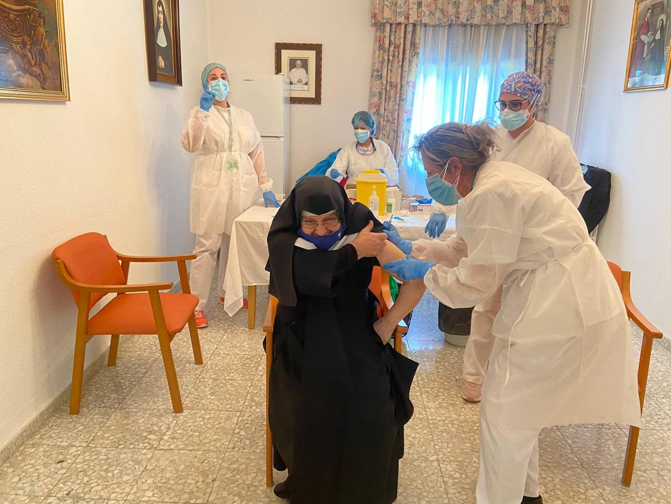 La vacuna llega a las residencias de mayores