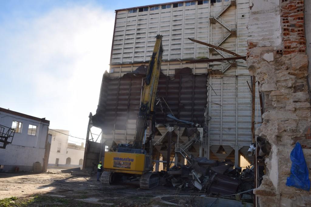 Derrumbe de la planta de TECA situada dentro de Trujillo