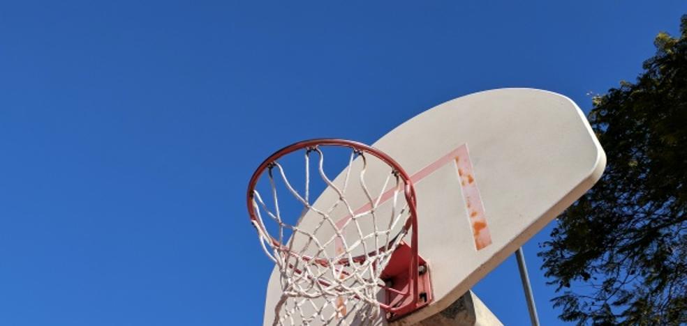 Se organizan clases de mini basket
