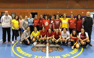 Valverde y Almendral forman un equipo de fútbol femenino
