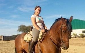 «A los tres años ya cogía el caballo cruzado de español y árabe de mi abuelo José»