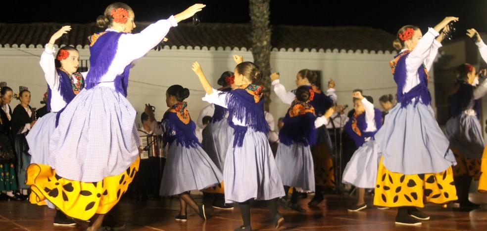 Los más pequeños también celebran su Festival Folklórico