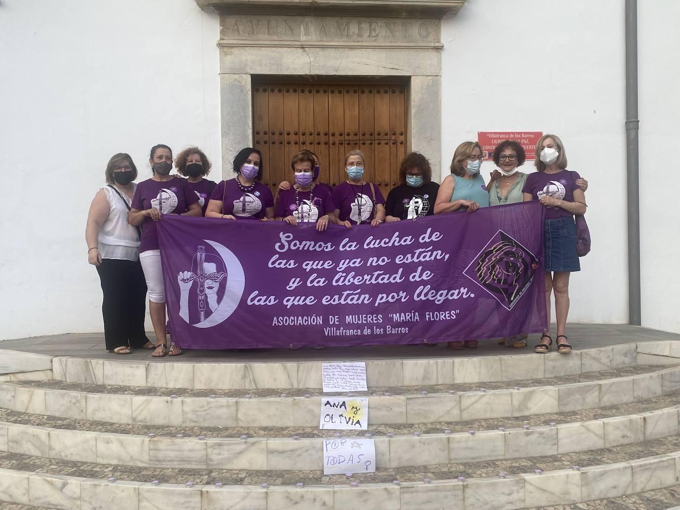 Concentración por los asesinatos machistas de las niñas de Tenerife