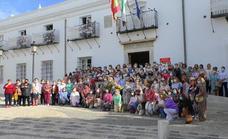 El Ayuntamiento reconoce a las mujeres bordadoras de Villafranca