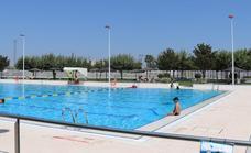 Los villanovenses dan una nota media de 8,9 sobre 10 al servicio de la piscina municipal