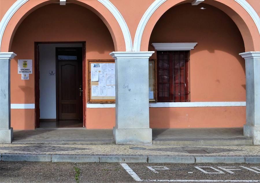 El Ayuntamiento oferta siete puestos de trabajo pertenecientes al Plan de Empleo Social