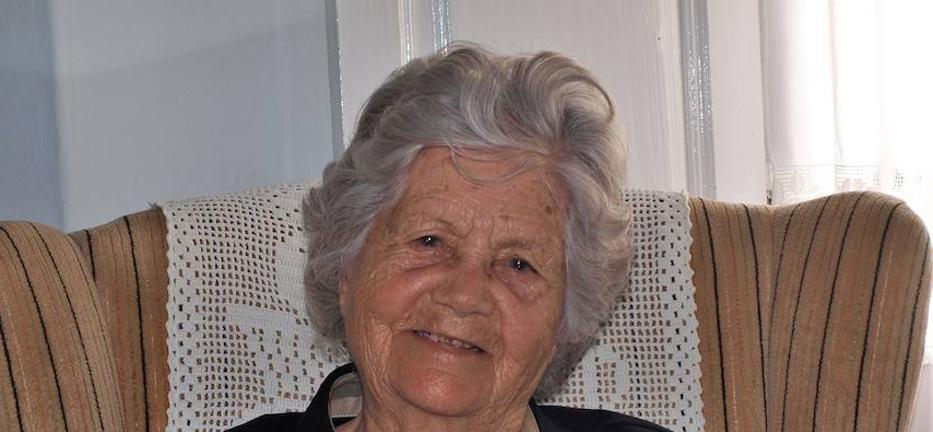Fallece la maestra doña Jacinta Almeida a los 99 años