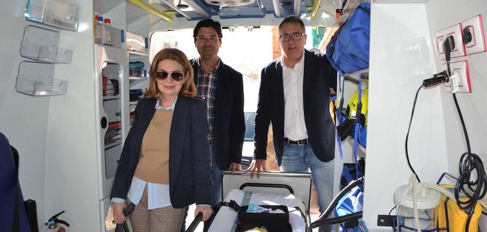 El municipio recibe una ambulancia de Soporte Vital Básico operativa las 24 horas