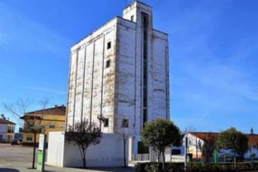 El Damas línea Villanueva-Badajoz cambia su parada al Silo debido a la instalación de stands