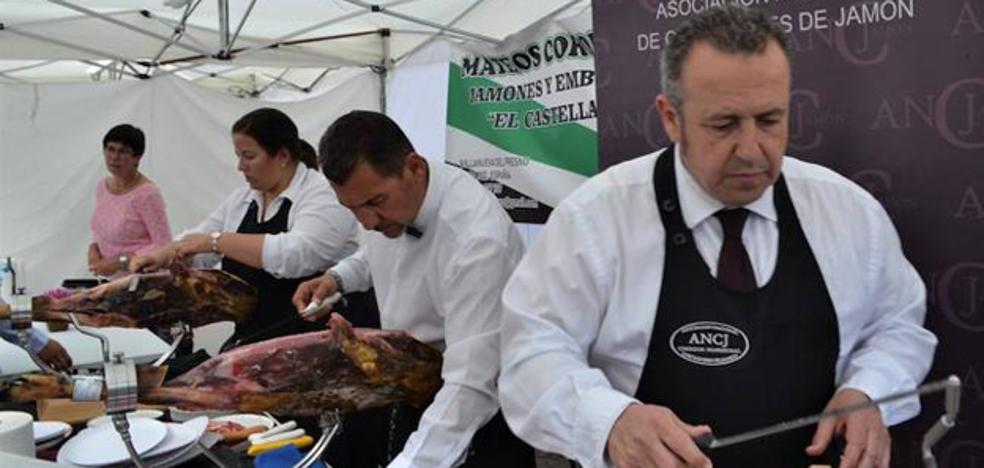 Aprosuba 14 Plena Inclusión Olivenza recaudó 700 euros con la venta de jamón