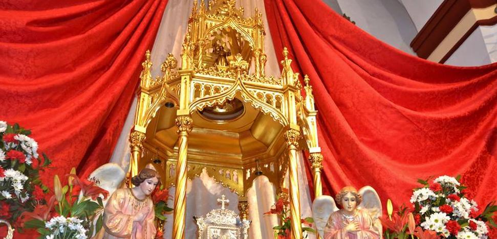 La Parroquia celebra el 20º aniversario de la elaboración del sagrario de plata
