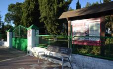 La parada de autobuses se traslada a la puerta del parque del Colegio durante la feria