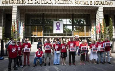 Las comunidades reclaman el dinero prometido por Sanidad para la Hepatitis C