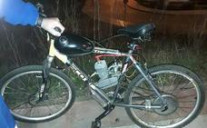 Veinte meses sin carné para el ciclista bebido que circuló con una bicicleta con motor