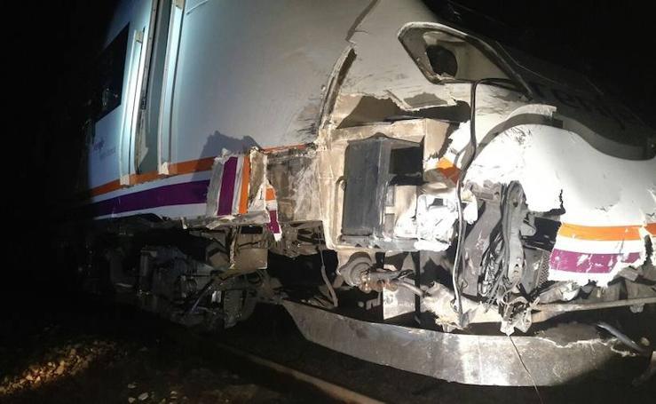 Descarrila un tren de la línea Madrid-Cáceres al chocar contra un tractor