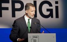Felipe VI reafirma ante Puigdemont su compromiso de «creer y amar» a Cataluña