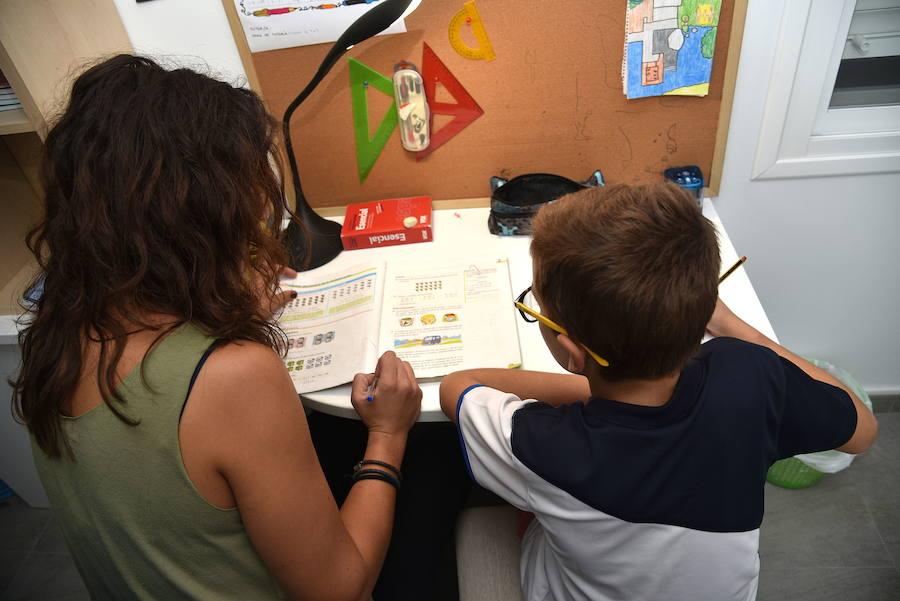 Padres, alumnos y profesores están a favor de mantener los deberes escolares