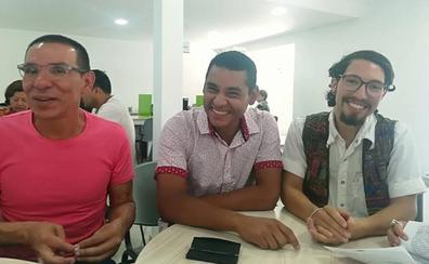 La primera 'trieja' se casa en Colombia