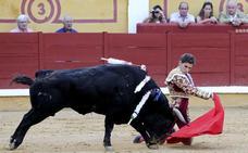 Ginés Marín recibe el premio 'Triunfador de la Feria de San Juan'