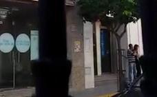 Detenido el atracador de un banco en Guareña cuando salía a la calle con una rehén