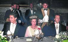 Los Reyes regresan a Reino Unido, treinta años después