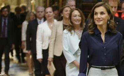 Letizia amortiza el 'look' más favorecedor de Carolina Herrera