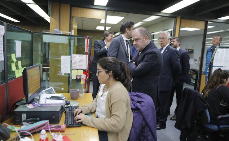 La visita a El Mercurio, el diario en español más antiguo, en imágenes
