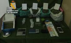 Desmantelado un punto de venta de marihuana en Oliva de la Frontera