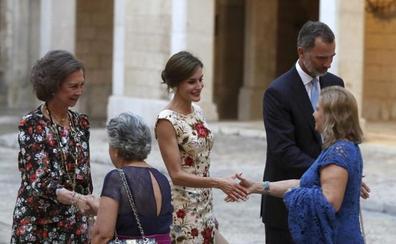 Multitudinaria recepción de los Reyes a la sociedad balear, sin Podemos y MÉS
