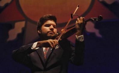 El violinista de origen extremeño Paco Montalvo encandila en La Unión con su alma flamenca