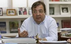 Fernández Vara recuerda a una de las víctimas del atentado, Pablo Pérez, de «sangre extremeña y catalana»